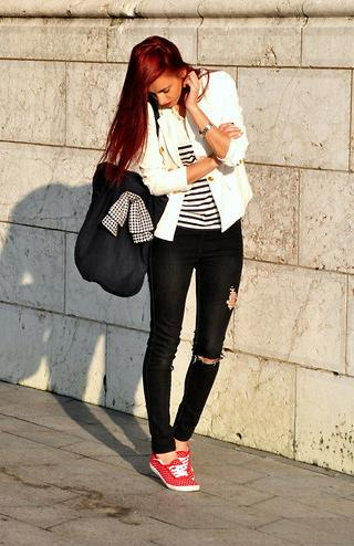 lookbooknu_whitejacket1